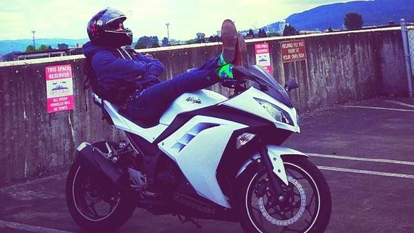 Relax on motorcycle | Braaaaaapp