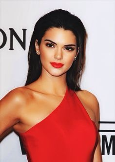 What makeup can I wear with long red dress?