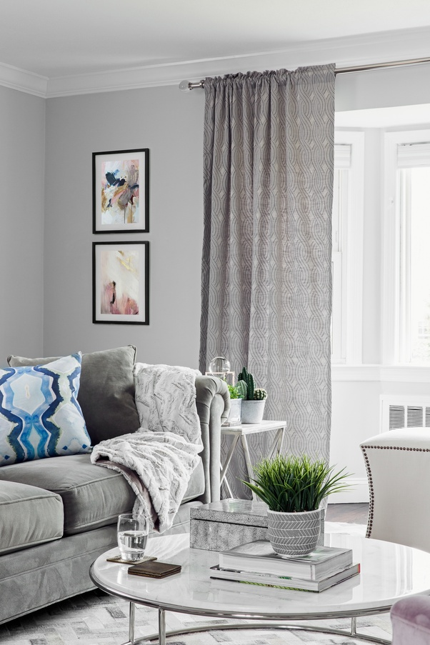 What color of curtains would go well with a gray-colored living room ...