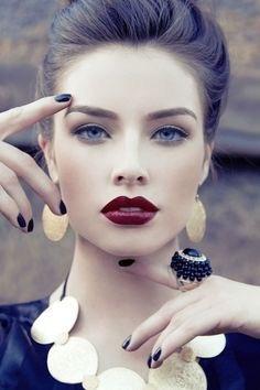 What color lipstick do men most like on women? Do dark