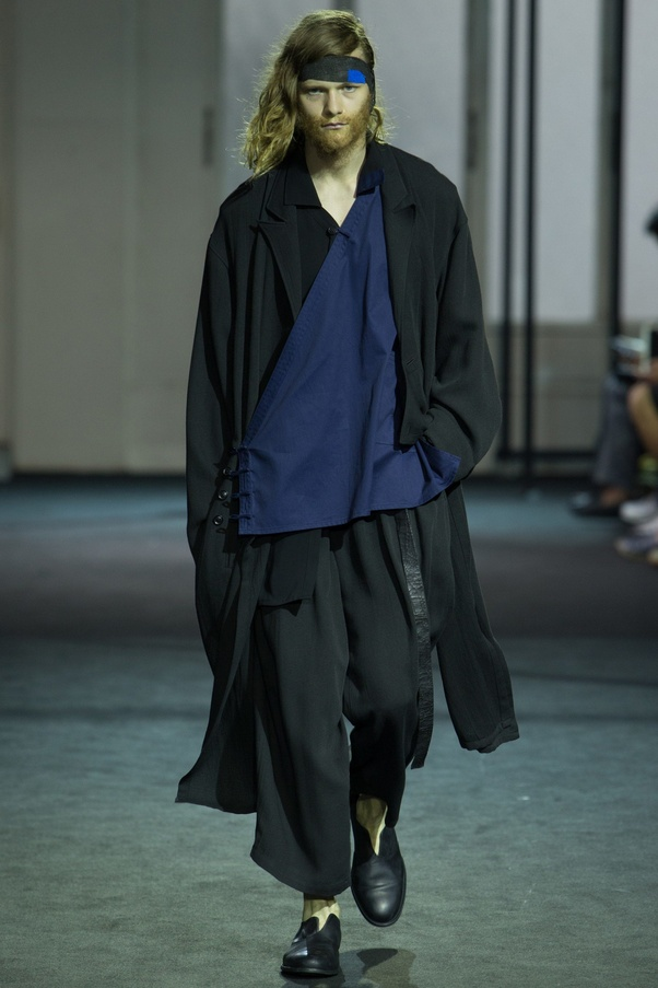 What Is Fashion Designing Style Of Yohji Yamamoto Quora