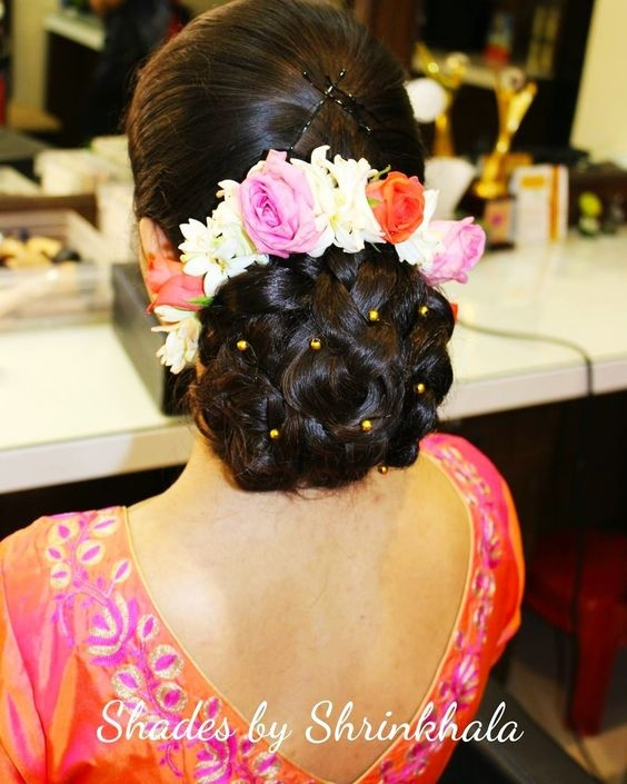 Hair Bun Style For Indian Wedding: What Are Some Best Indian Hairstyles For Very Short Hair