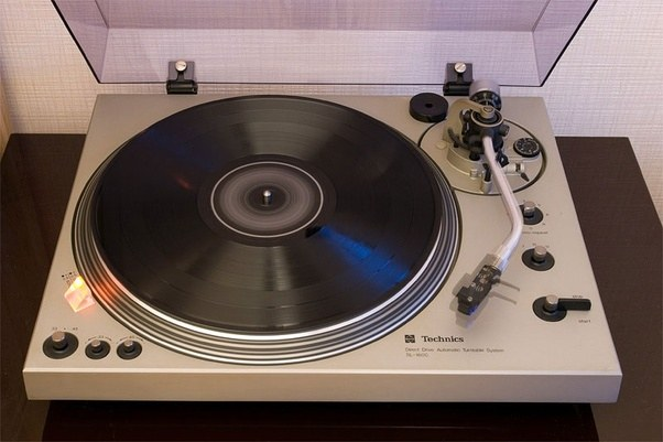 In The Vintage Turntable Market, I Prefer Technics, But There Are Many Great  Options From Pioneer, Denon, And Sony.