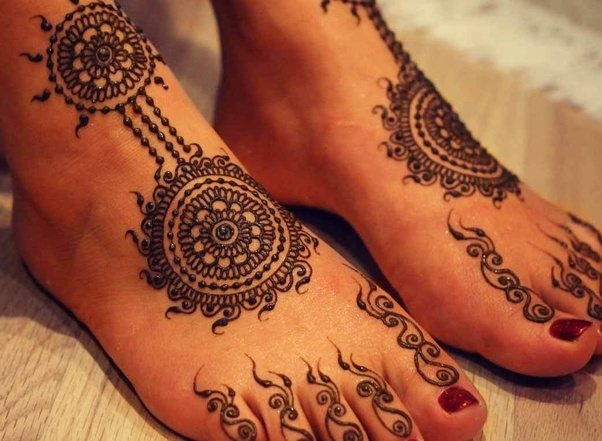 Black Henna Tattoo While Pregnant: How Is Henna Made?