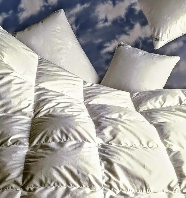 Will A Queen Sized Duvet Cover Fit On, Can A Queen Comforter Fit A Full Bed