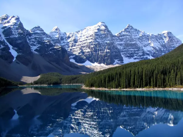 Moraine Lake In Banff National Park Coming From An Asian Country Like Me This Kind Of Scenery Is Absolutely Breathtaking