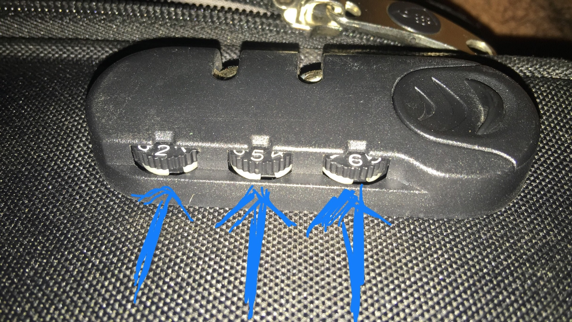 how to unlock samsonite suitcase combination lock