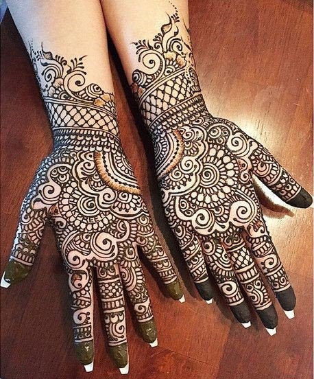 Which Is The Most Amazing Design Of Mehndi/heena You Have