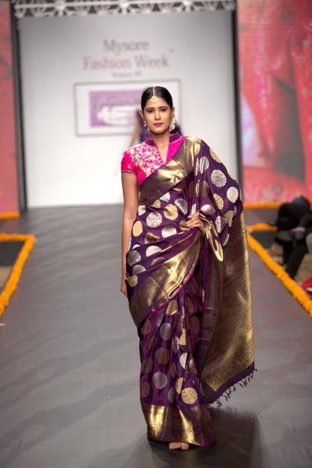 ca7d83637 Vintage kanchipurams range at Vijayalakshmi will leave you spell bound!  Featured here is a Kanchipuram brocade Indian traditional silk saree ...