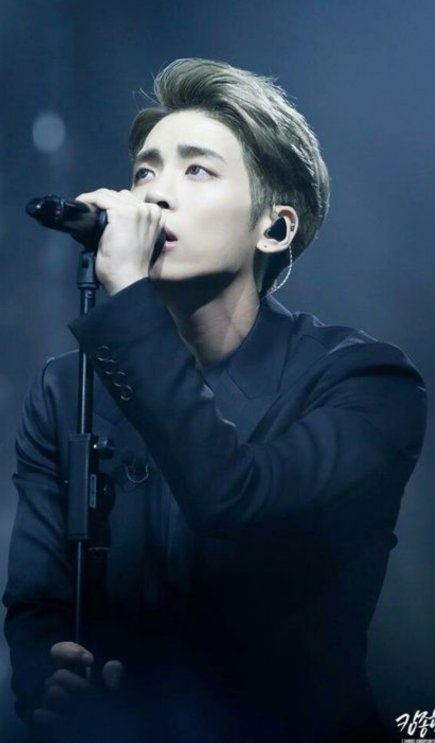 Who are the best male and female vocalist in Kpop? - Quora
