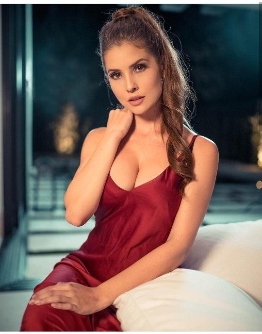 nude latina wife