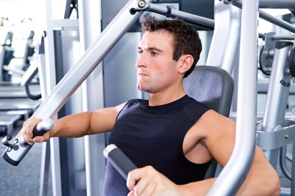 ¿Unirse al gimnasio causa la caída del cabello?