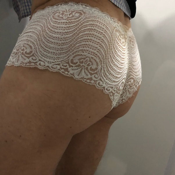 How visible are butt plugs when wearing jeans? I want to ...