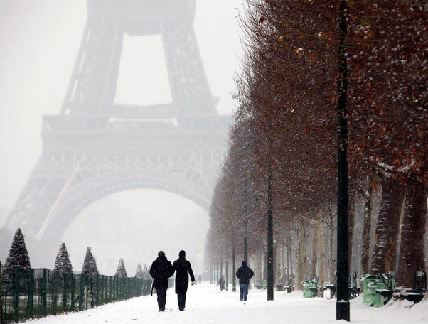 does paris get much snow in the winter quora. Black Bedroom Furniture Sets. Home Design Ideas