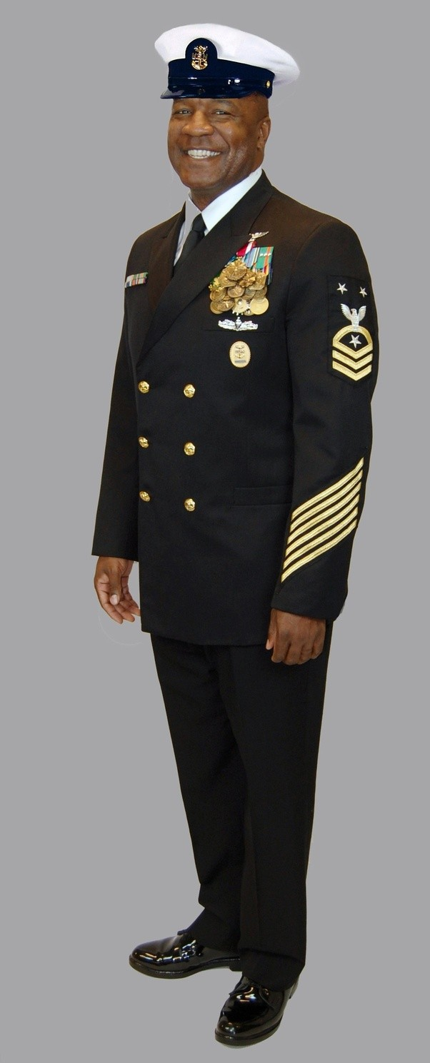 At what rank do U.S. Navy uniforms become the kind that ... - photo #10