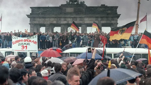 What Were The Reasons Behind The Collapse Of Berlin Wall Quora
