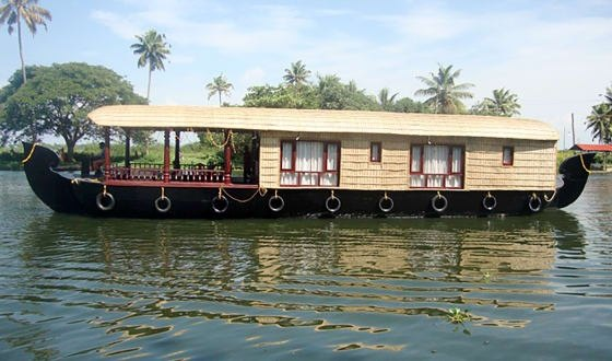 An Experiential Stay In A Houseboat Ranging From One Bedroom To Seven Boats Traversing Across The Backwaters Of Alleppey