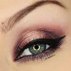 The Best Eye Makeup For Green Eyes Antique Gold Eyeshadow
