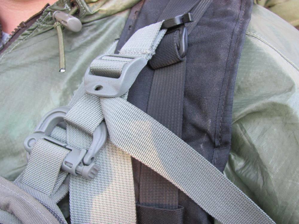 Can you comfortably wear a shoulder holster with a backpack