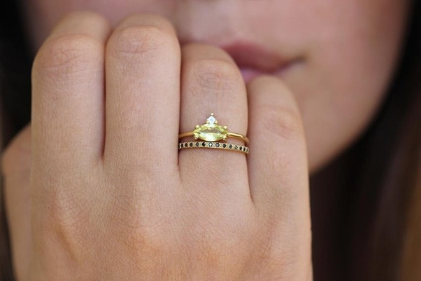 What are the benefits of wearing a gold ring? - Quora