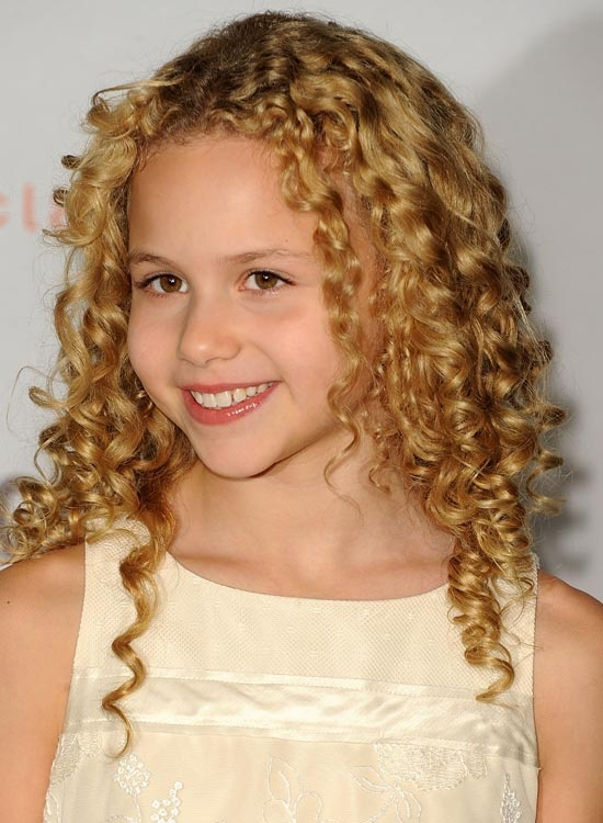 What are some good hairstyles for girls with curly hair ...