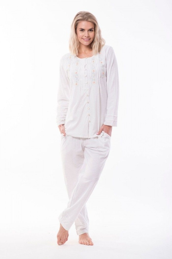 7de2ffaa2e Victoria s Dreams is the best women s nightwear online store here. This  provides Wholesale Ladies Sleepwear at an economical cost.