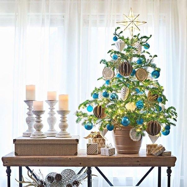 What Are Good Alternative Christmas Tree Ideas?