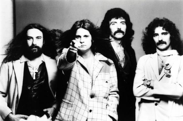 """Imagem promocional do grupo """"Black Sabbath"""" em 1969"""