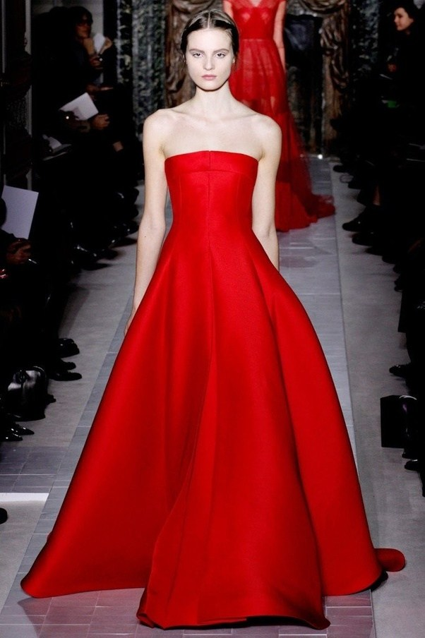 What distinguishes the style of Valentino clothing? - Quora