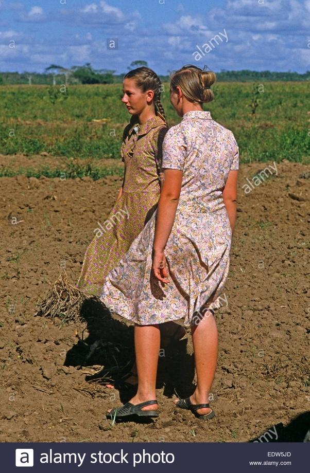 What do mennonites wear? - Quora