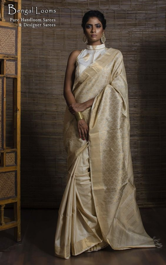 c089f2543af8a Glamorous Gold  You can also go with a shiny gold blouse depending upon the  gathering you are going to. The sheen of gold adds to the elegance of the  saree.