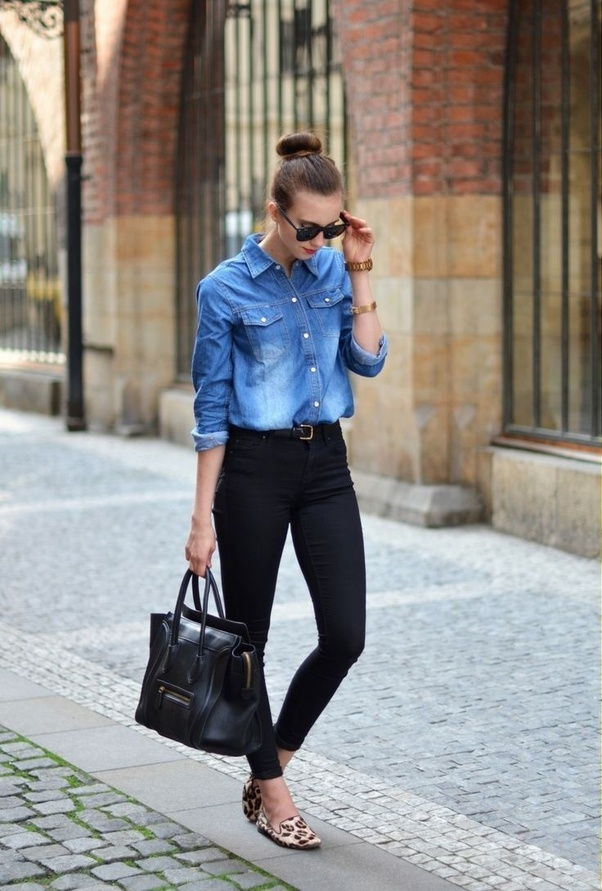 19c2f2cfb Which color jeans will go well with this blue denim shirt  - Quora