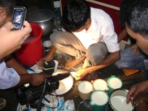 Is it better to buy Tetra Pak milk than milk in a plastic