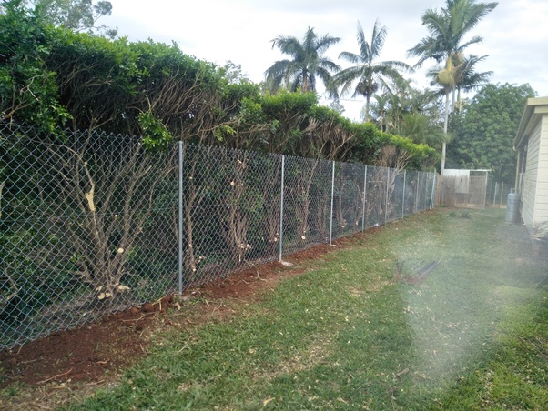 A Step In Installing Chain Link Fence Is To Stretch It How Far