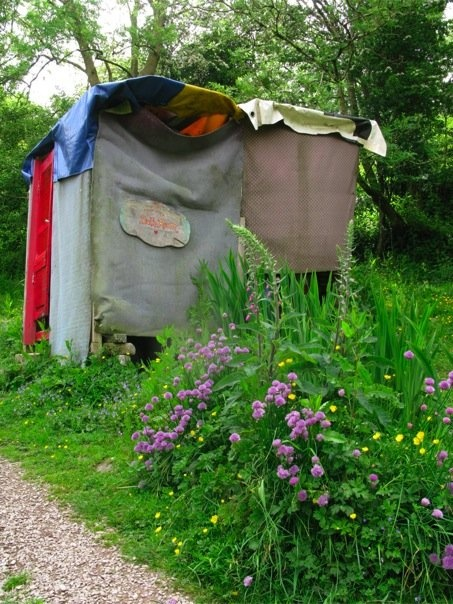 compost toilette, wwoof, irlanda