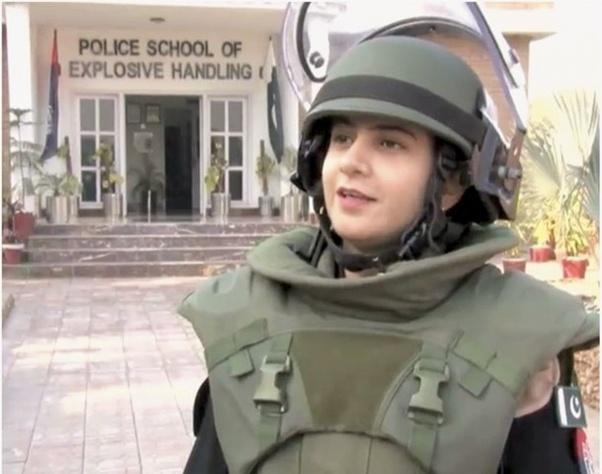 Islamabad girl marium - 1 8