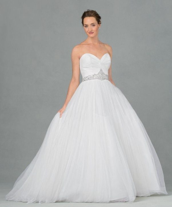 The Fullness Of Dress Will Make You Look Curvier Petite Bride Should Avoid