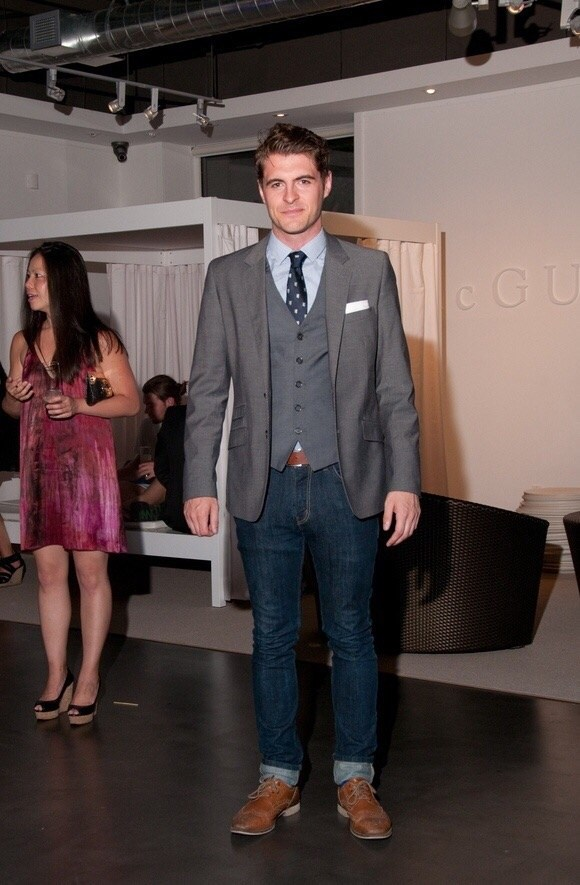 Which sort of a suit jacket can you wear with jeans pants ...