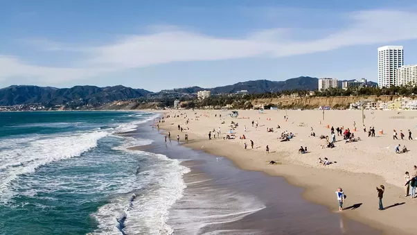 Santa Monica Beach Stretches From Will Rogers State To The Boarder Of Venice It Is Less Crowded South Pier