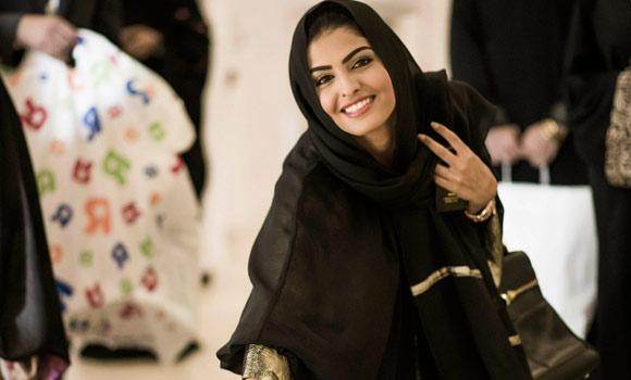 These Are Reasons Behind Her Modern Clothes And Personally I Feel That It Is Wrong With Other Muslim Women Because They Have Also Right Of Their Choices