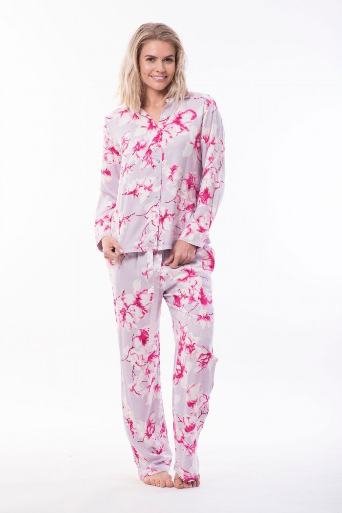 There are many women s clothing wholesale online stores in australia.  Victoria s Dreams is the best one among them. This provides Women s Winter  Wholesale ... ffb777bc5