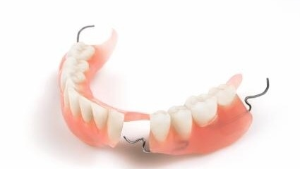 Is it difficult to eat with partial dentures? - Quora