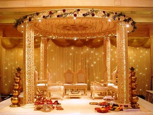 What Are Some Gorgeous Stage Decor Ideas That I Can Opt For My