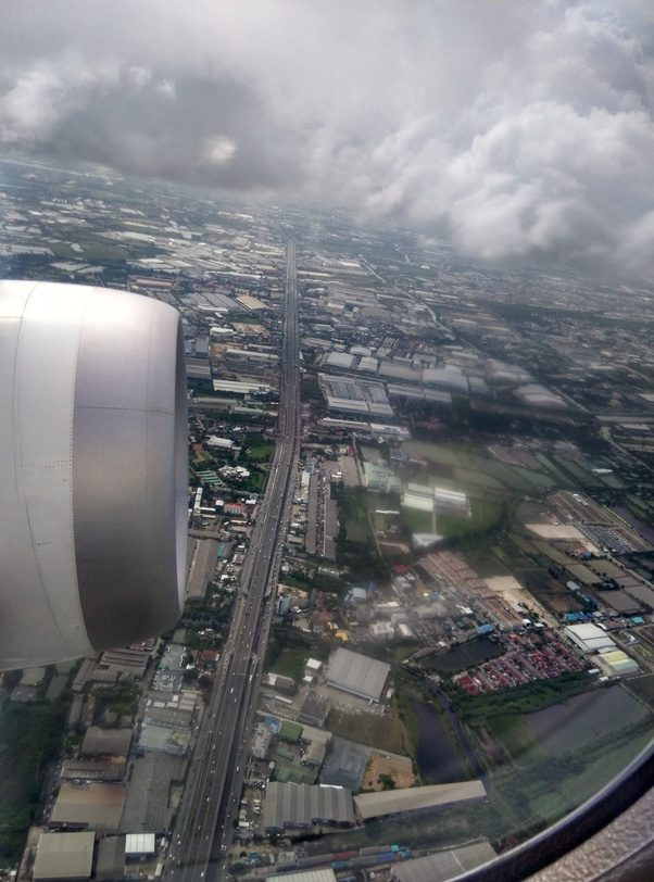 What is it like to fly on the new Boeing 787 Dreamliner? - Quora