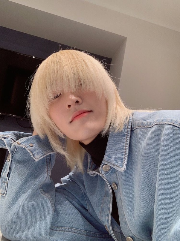 Who is the Kpop idol from the K-pop group 'OnlyOneOf' with a hairstyle that  looks like SIA? - Quora