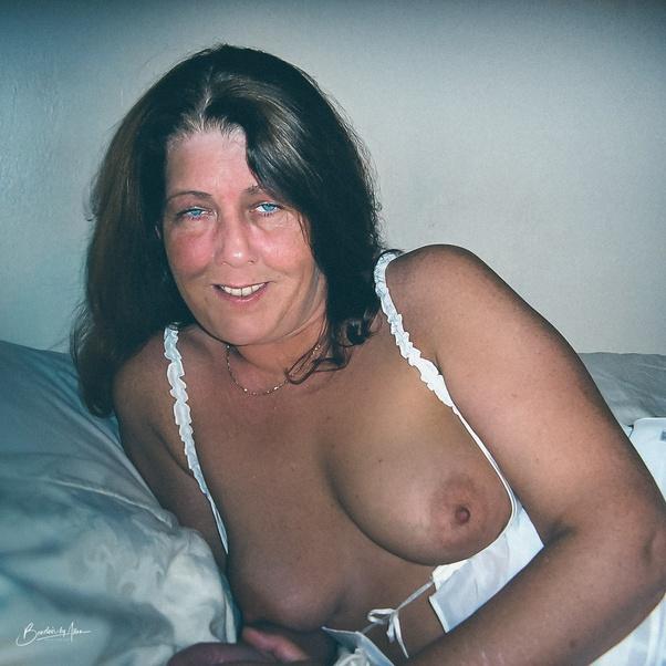 Nude wife Randy Quaid