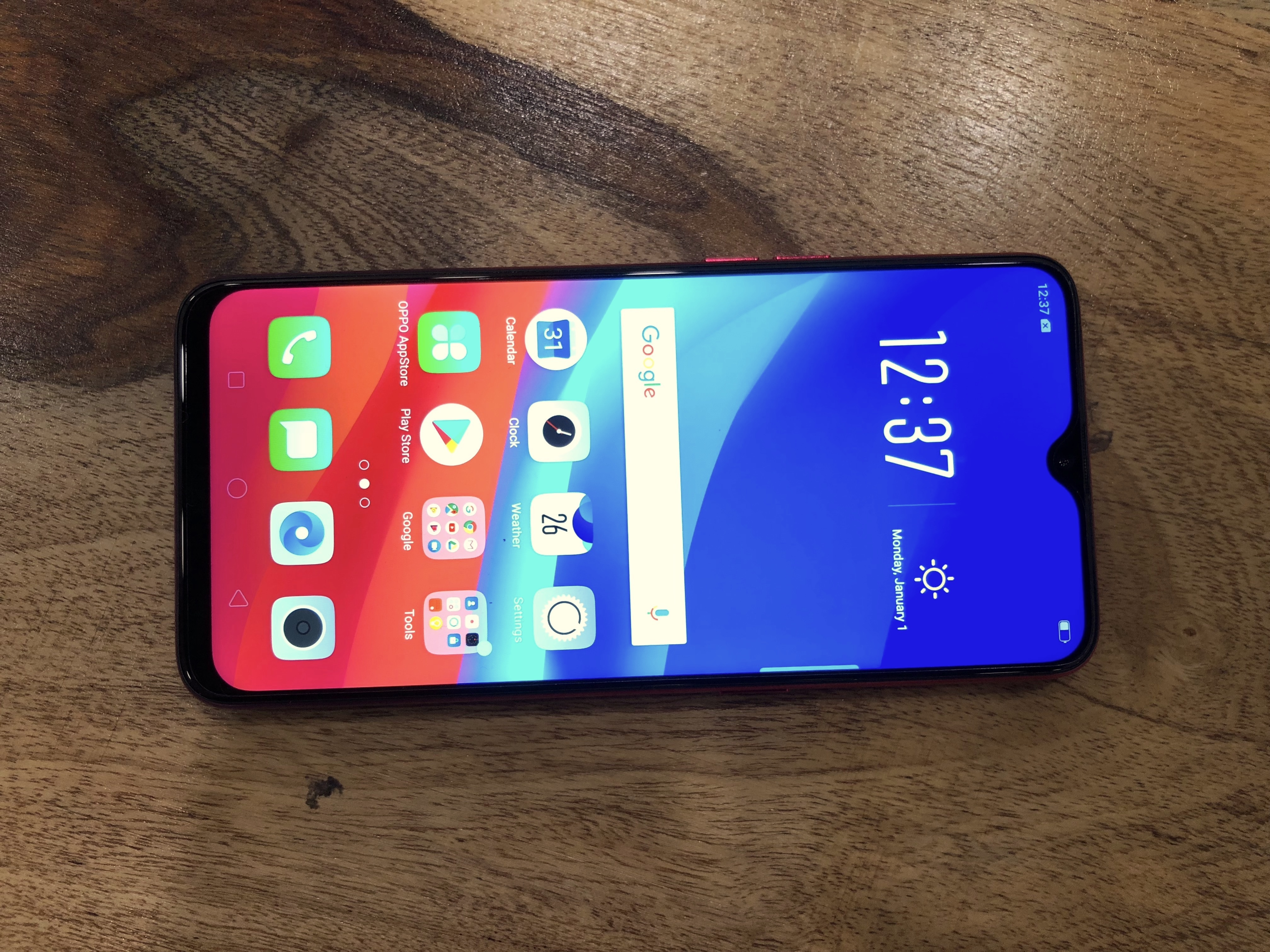 Is the Oppo F9 Pro launched in the UAE water drop design? - Quora