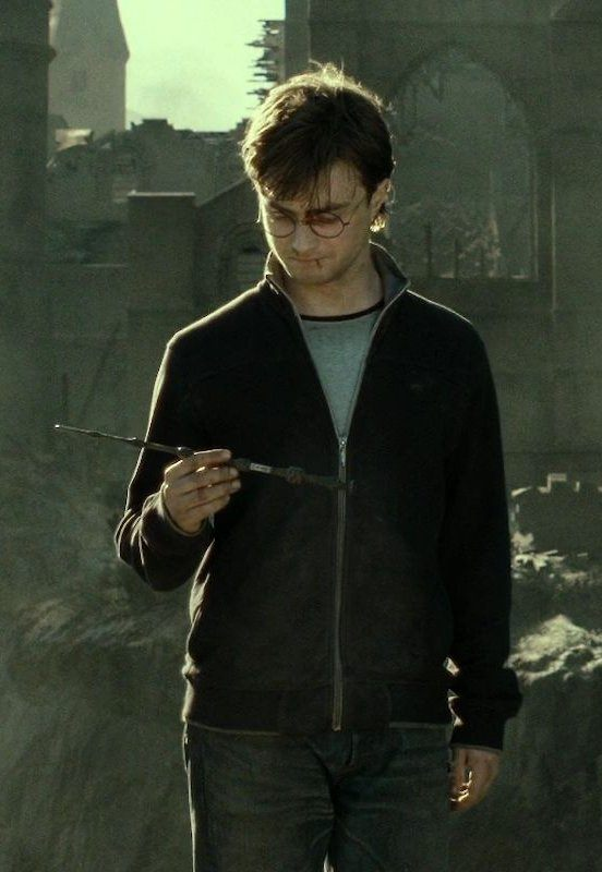 Why does the elder wand belong to draco quora for Harry potter wands elder wand
