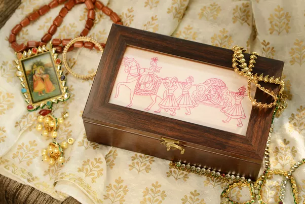 Wedding Gift India Online: What Are The Best Indian Wedding Gifts?