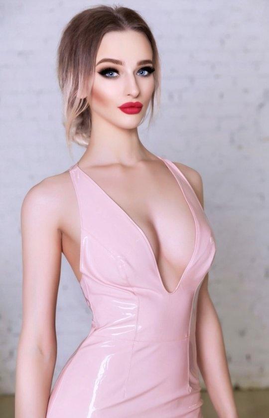 Nude woman saree pic